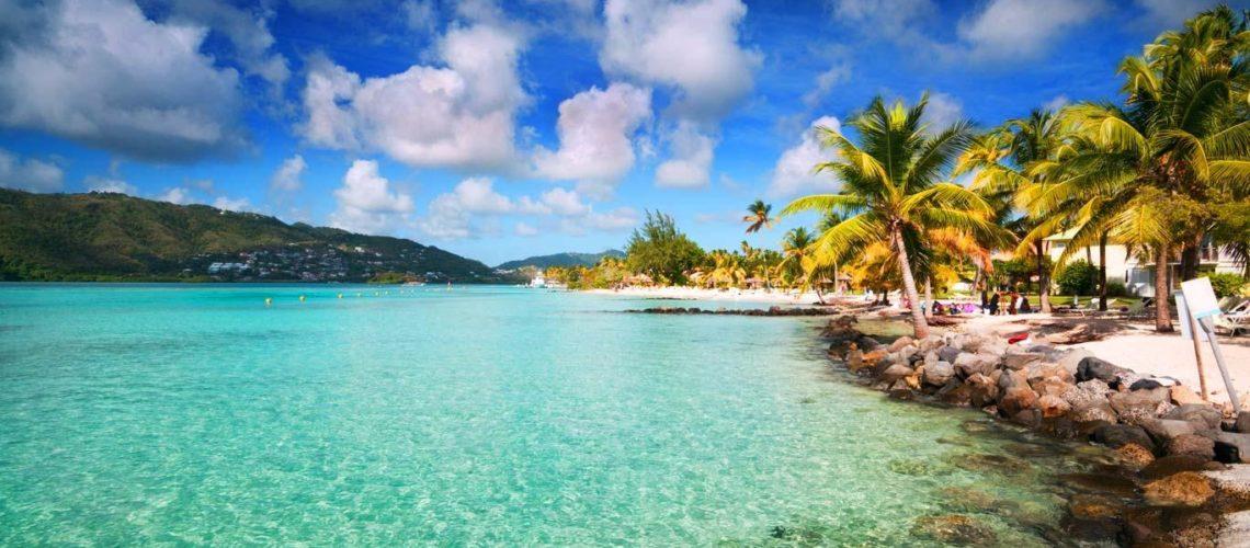 Découvrir la Martinique et ses paysages avec une location de voiture